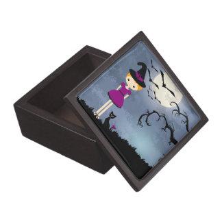 Bruja rubia linda con el gato negro y la Luna Llen Caja De Recuerdo De Calidad