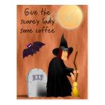 Bruja Scarey antes de la postal del café