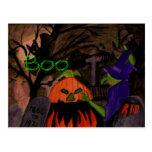 Bruja traviesa de Halloween Postal
