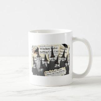 ¡Brujas en las noticias! Taza De Café