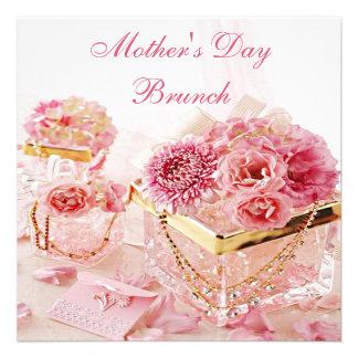 Brunch atractivo del día de madre de las flores y invitacion personalizada