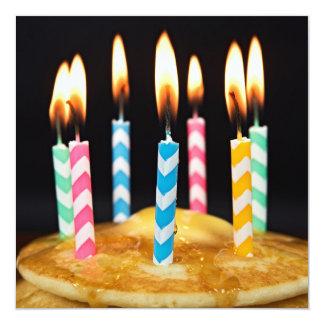 Brunch del desayuno del cumpleaños invitación 13,3 cm x 13,3cm