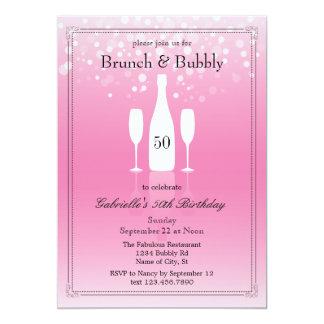 Brunch e invitación burbujeante del cumpleaños