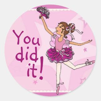 Brunette agraciado/rosa del pegatina del baile de
