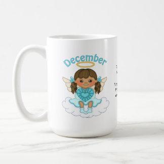 Brunette del ángel de diciembre Birthstone Taza Básica Blanca