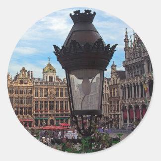 Bruselas - el lugar magnífico pegatina redonda