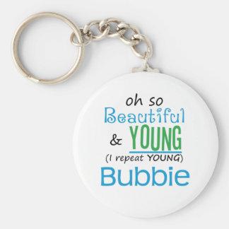 Bubbie hermoso y joven llavero redondo tipo pin