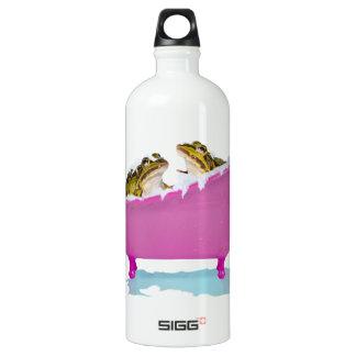 Bubble bath for pet frogs SIGG traveler 1.0L water bottle