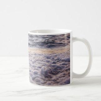 Bubbling ocean wave Mug