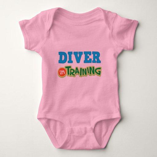 Buceador en el entrenamiento (futuro) t-shirt