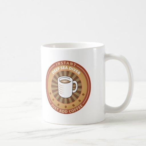 Buceador inmediato del mar profundo tazas de café