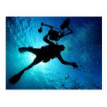 Buceador subacuático tarjetas postales