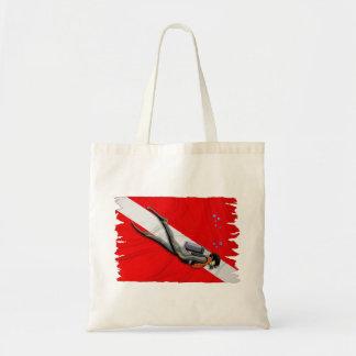 Buceador y bandera arrugada de la zambullida bolsa tela barata