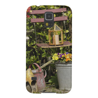 Buckets, shoes, and flowers, Zaanse Schans, Galaxy S5 Cover