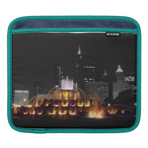 Buckingham Fountain at Night iPad Sleeve