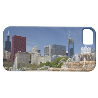 Buckingham Fountain located in Grant Park, 2 iPhone SE/5/5s Case