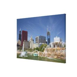 Buckingham Fountain located in Grant Park, Canvas Print