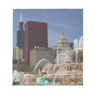 Buckingham Fountain located in Grant Park, Notepad