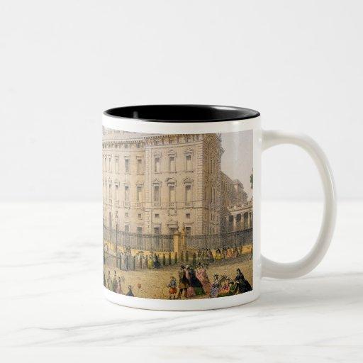 Buckingham Palace, c.1862 (litho del color) Taza De Dos Tonos