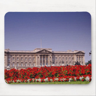 Buckingham Palace, London, England flowers Mouse Pad