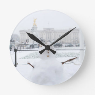 Buckingham Palace snowman London Round Wallclocks