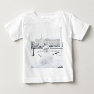 Buckingham Palace snowman London T-shirt