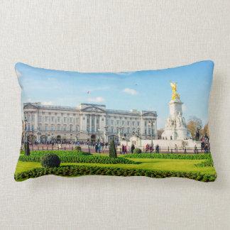 Buckingham Palace y monumento de Victoria Cojin