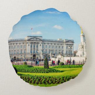 Buckingham Palace y monumento de Victoria Cojín Redondo