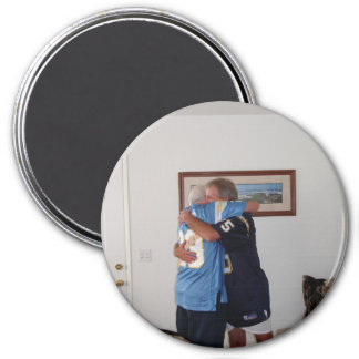 Bud-Hugs 3 Inch Round Magnet