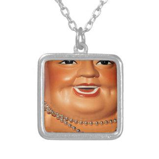 Buda anaranjado gordo collar plateado