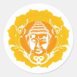 Buda anaranjado y amarillo pegatina redonda