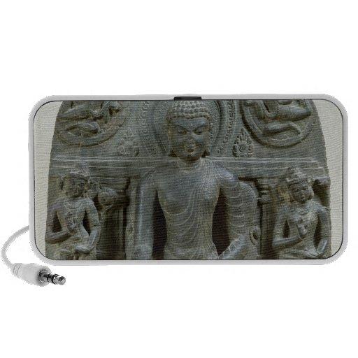 Buda asentado en la meditación altavoz