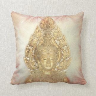 Buda de oro cojín