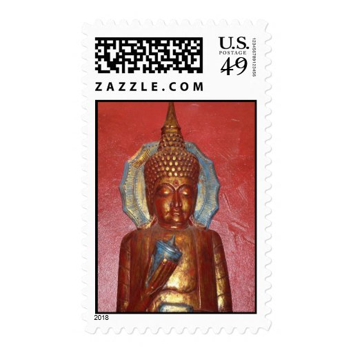 Buda de oro en SELLO rojo de la pared