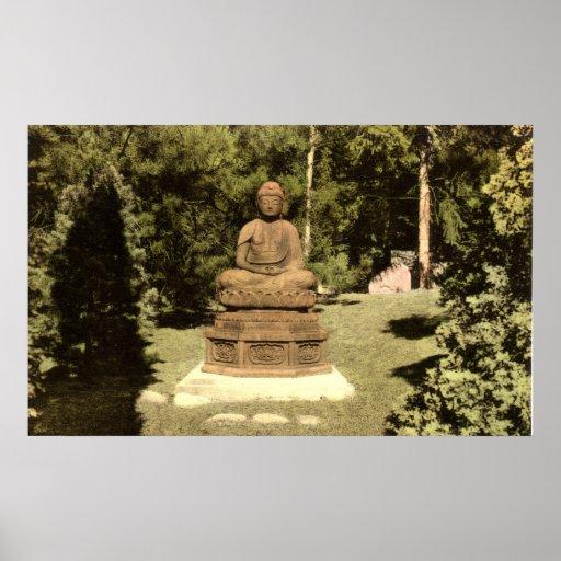 Buda en el vintage japonés 1915 del jardín póster