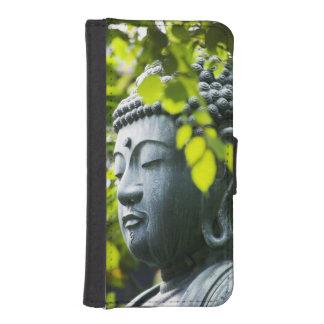 Buda en jardín del templo de Senso-ji Funda Billetera Para Teléfono