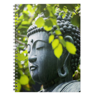 Buda en jardín del templo de Senso-ji Libreta Espiral