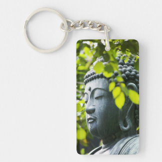 Buda en jardín del templo de Senso-ji Llavero Rectangular Acrílico A Doble Cara