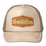 Buda investiga dentro gorra