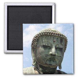 Buda kamakura hace frente imán cuadrado