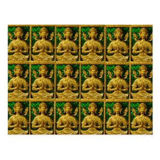 Buda que se sienta amistoso tarjeta postal
