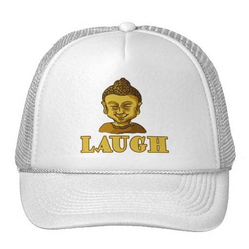 Buda sonriente con las camisetas y los regalos de  gorro