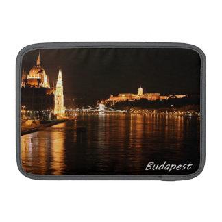Budapest en la noche funda para macbook air