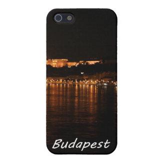 Budapest en la noche que muestra el puente de iPhone 5 carcasas