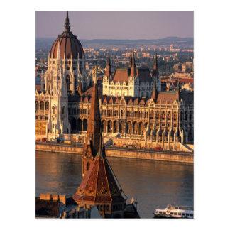 Budapest, Hungría, el río Danubio, el parlamento Postal