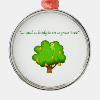 Budgie en ornamentos del navidad de un peral ornamentos de navidad