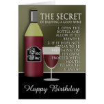 Buen cumpleaños divertido del vino tarjeta de felicitación