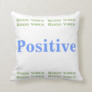 Buena almohada positiva de la sensación