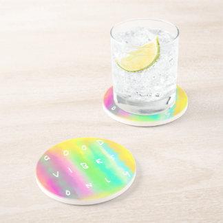 Buena cita colorida de la positividad de la posavaso para bebida