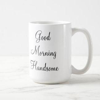 Buena mañana hermosa taza de café